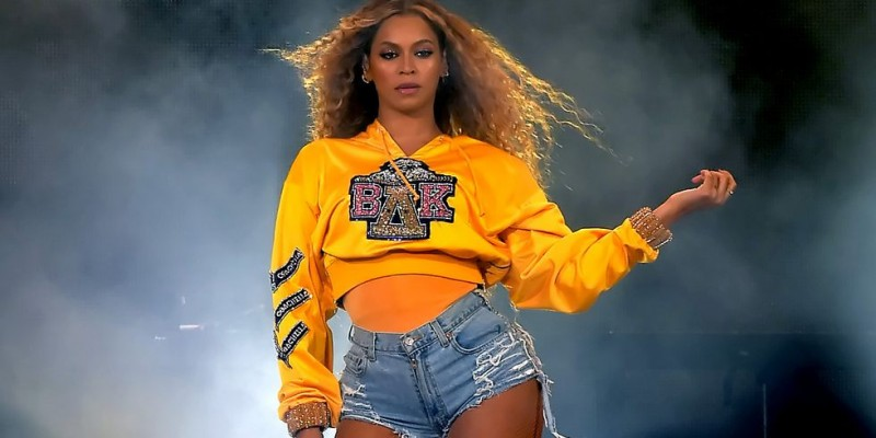 hbz beyonce balmain coachella index 1531244171