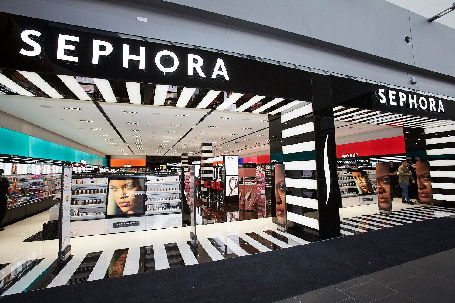 Sephora: Augmented Reality, Artificial Intelligence