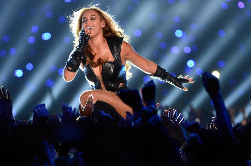 beyonce super bowl halftime 2013 billboard 1548
