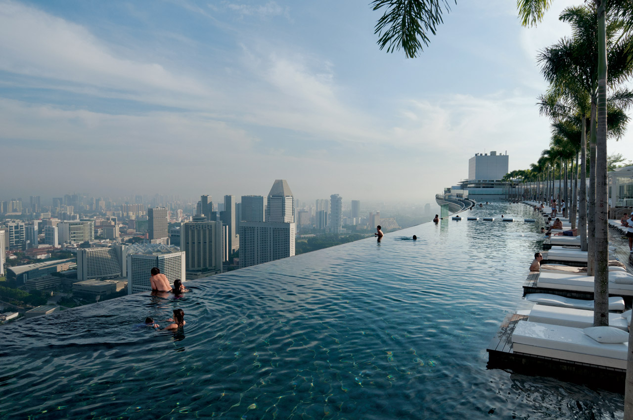 Nine of the world 39 s best swimming pools remix magazine - Singapore famous hotel swimming pool ...