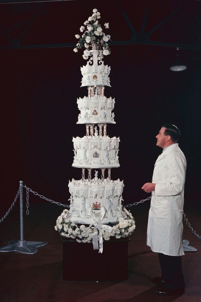 why do we cut wedding cake together the wedding cake royals been serving for decades 27462