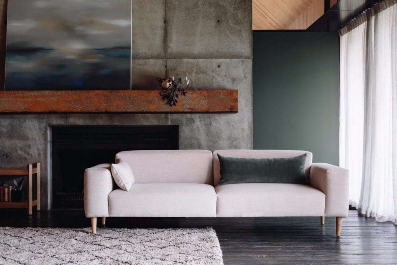 soft pink sofa with velvet green cushion from citta design 1